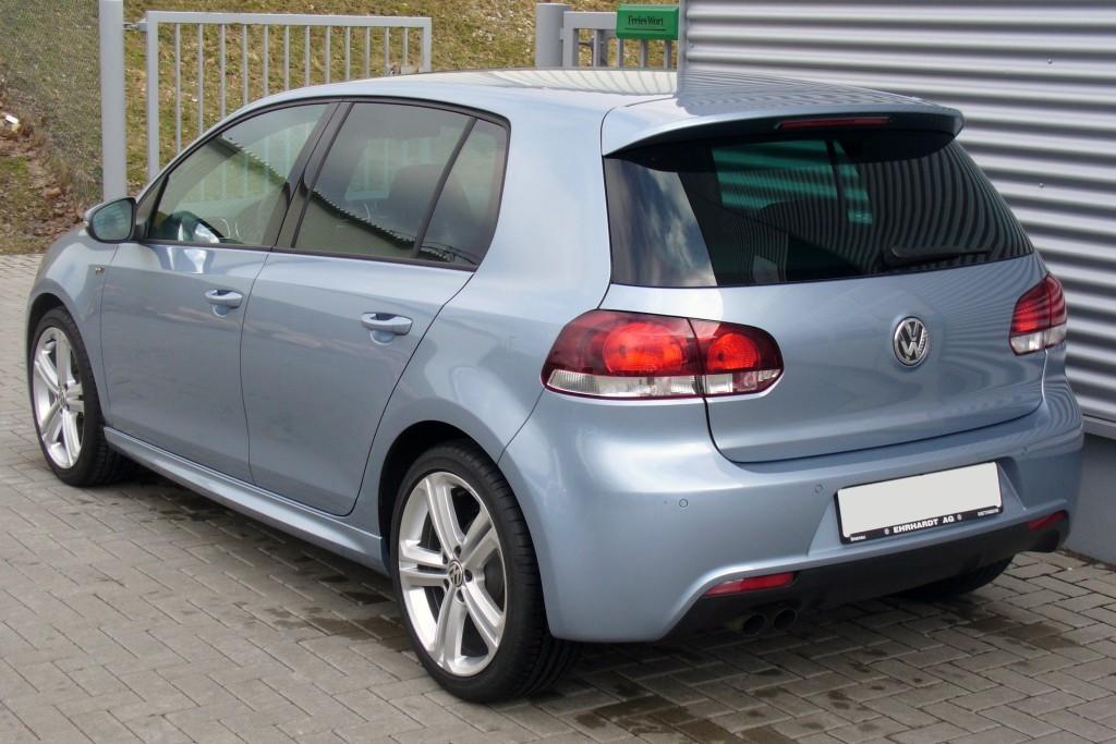VW_Golf_VI_1.4_TSI_DSG_Highline_R-Line_Sharkblue_Heck